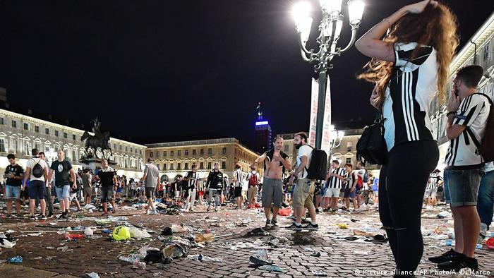 Champions League Final Platz in Turin nach Massenpanik bei Public Viewing (Picture alliance/AP Photo/A. Di Marco)