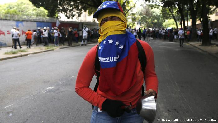 Venezuela Proteste in Caracas (Picture alliance/AP Photo/A. Cubillos)