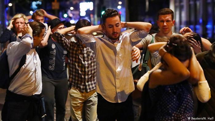 England Vorfall auf der London Bridge Mehrere Fußgänger angefahren (Reuters/N. Hall)