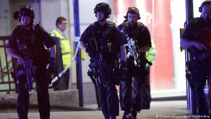 England Vorfall auf der London Bridge Mehrere Fußgänger angefahren (Picture alliance/dpa/Y.Mok/PA Wire)