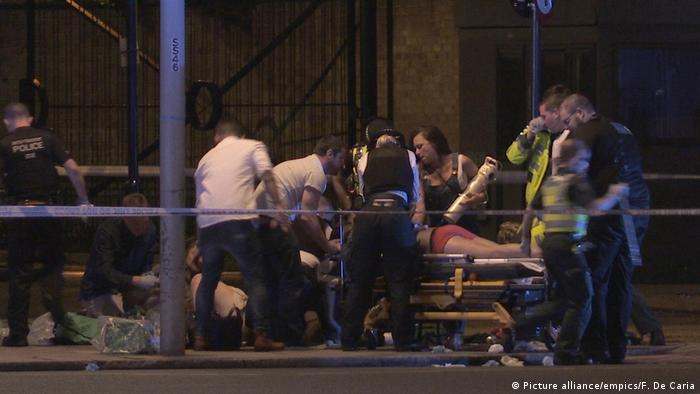 Erstversorgung nahe der London Bridge (Foto: Picture Alliance)