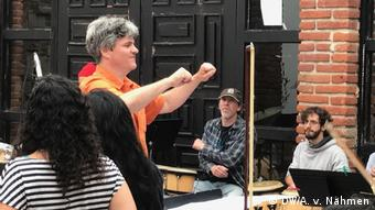Mexiko Tijuana - Dresdener Sinfoniker spielen Konzert am Grenzzaun