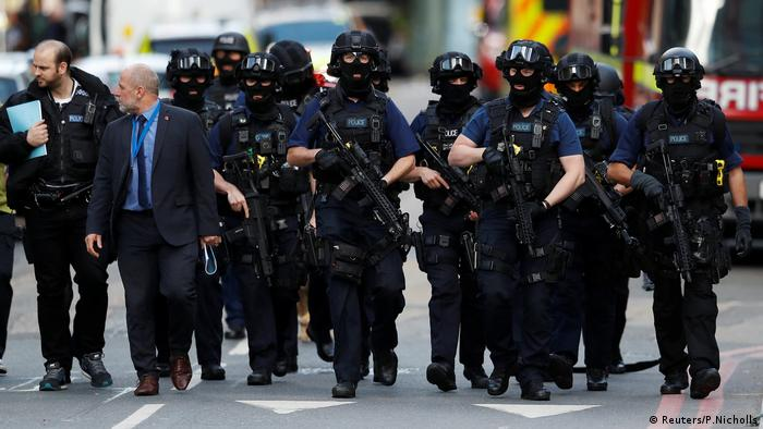 London Polizei (Reuters/P.Nicholls)