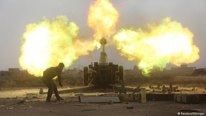 Irak Angriffe auf IS-Militante am Rande von Al-Baaj