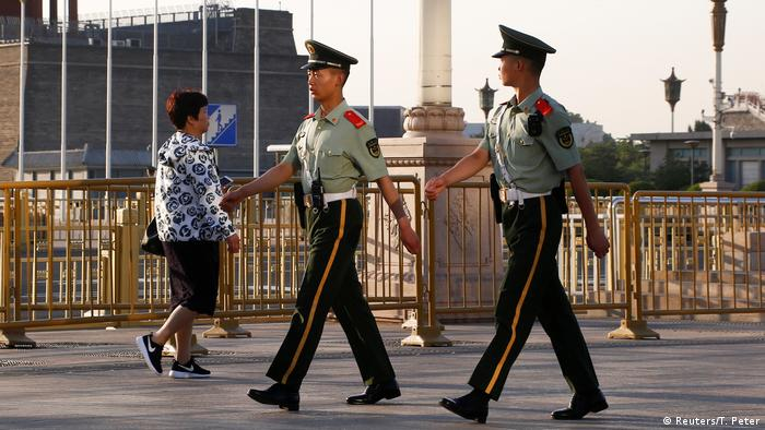 China Gedenken an Tian'anmen - Massaker (Reuters/T. Peter)
