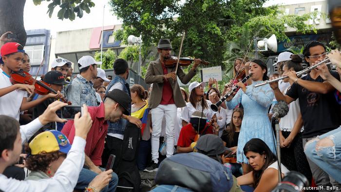 Venezuela Caracas Anti Maduro Protest Wuilly Arteaga Violinist