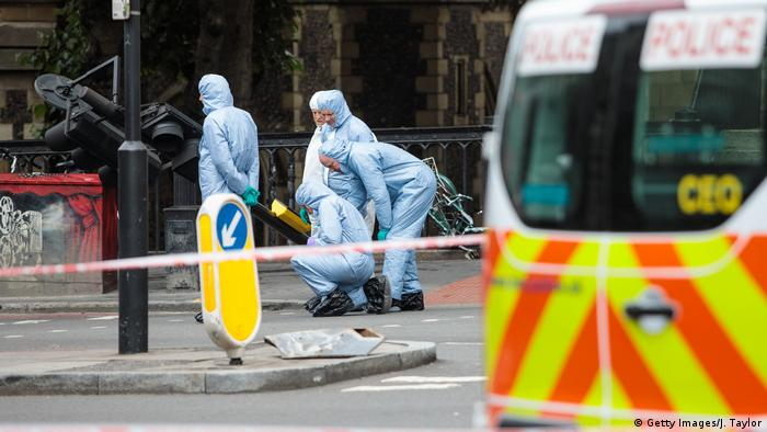 Теракт у Лондоні: криміналісти працюють на місці нападу біля ринку Боро