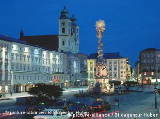 Linz's main square with the cathedral in the background