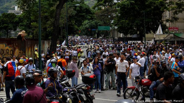 Venezuela Krise Proteste (Picture alliance/Zumapress/A. Manzol)