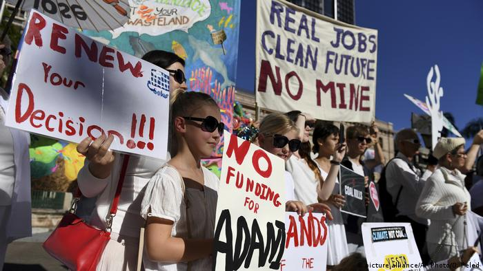 Environmentalists vow to fight Carmichael coal mine in Australia