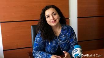 Βιόζα Οζμάνι: Όμορφη και με πολλές ελπίδες να γίνει η πρώτη γυναίκα πρωθυπουργός στο Κόσσοβο