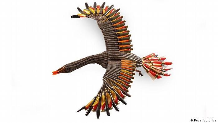 Ave con alas desplegadas, Frederico Uribe (Frederico Uribe)