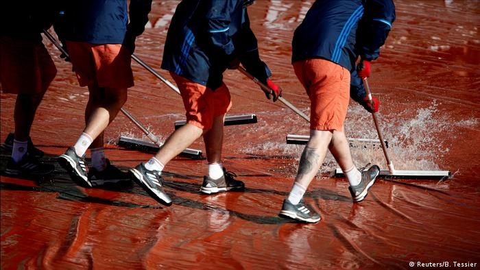 Frankreich French Open in Paris - Regenwetter (Reuters/B. Tessier)