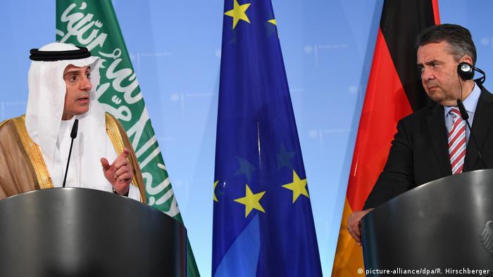زیگمار گابریل، وزیر خارجه آلمان و عادل بن احمد الجبیر، وزیر خارجه عربستان سعودی (عکس از آرشیو)