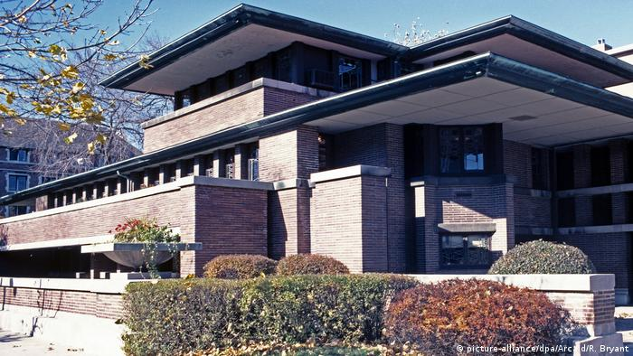 Frederick C. Robie House in Chicago: flat brick building with flat roof (picture-alliance/dpa/Arcaid/R. Bryant)