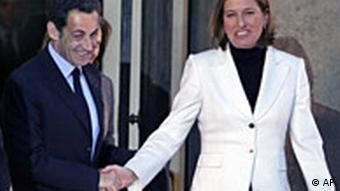 French President Nicolas Sarkozy takes leave of Israeli foreign ministerTzipi Livni following their meeting at the Elysee Palace in Paris, Thursday Jan. 1, 2009.