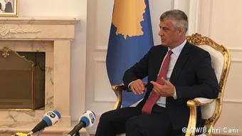 Hashim Thaci, Präsident Kosovo Und bahri cani (DW/Bahri Cani)