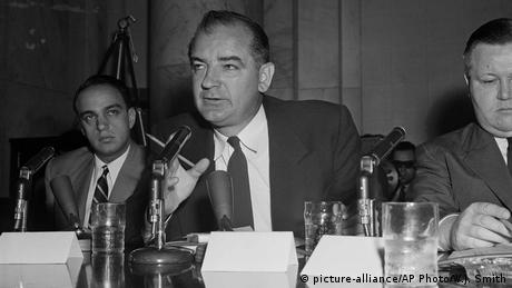 USA 1954 Joseph McCarthy (picture-alliance/AP Photo/W.J. Smith)