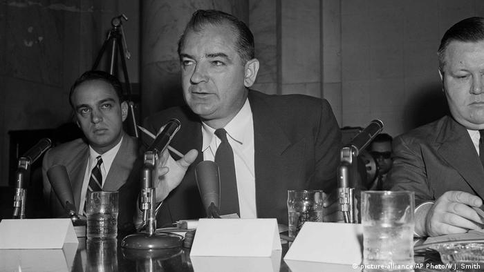 USA 1954 Joseph McCarthy (picture-alliance/AP Photo/W.J. Smith)