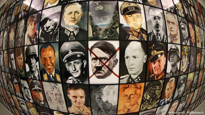 Deutschland documenta 14 Real Nazis von Piotr Uklanski (Reuters/K. Pfaffenbach)