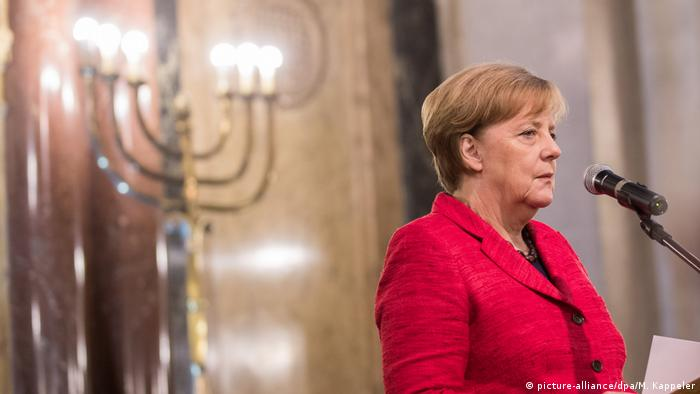 Papa Francisco insta a Merkel a luchar por el Acuerdo de París