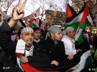 Palestinian supporters demonstrating in Berlin
