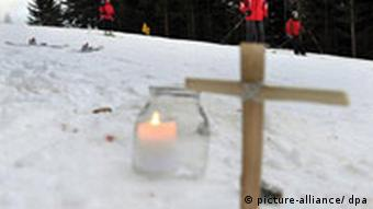 A cross at the place where the crash occurred