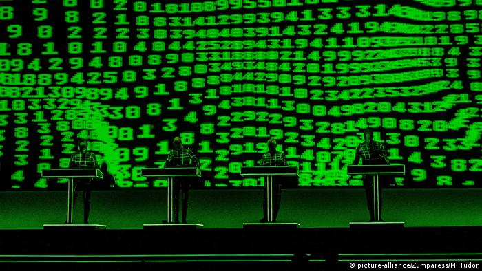 Electronic music pioneers Kraftwerk fail to excite Moscow