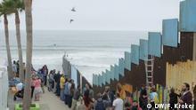 Konzert der Dresdner Sinfoniker an der US-mexikanischen Grenze in Tijuana am 3. Juni 2017 - Protest gegen Donald Trumps Mauerpläne. Rechte: DW / Florian Kroker