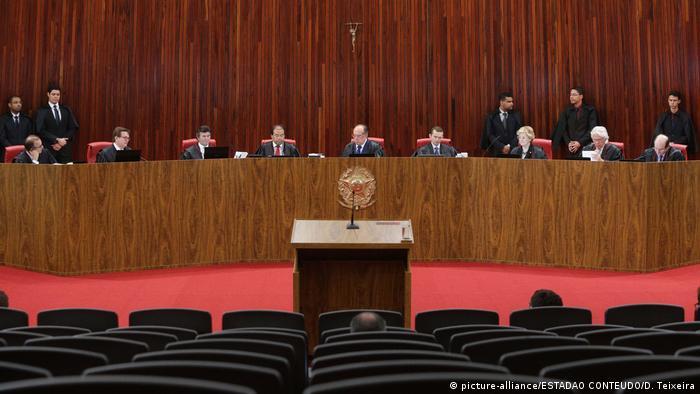Brasilien Oberstes Wahltribunal in Brasilia (picture-alliance/ESTADAO CONTEUDO/D. Teixeira)