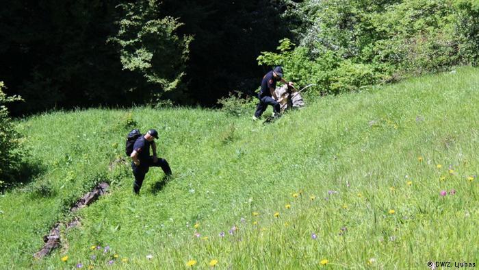 Sprengstoffentfernen in Bjelasnica Gebirge Bosnien und Herzegowina (DW/Z. Ljubas)