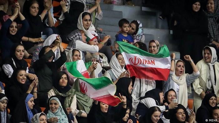 Iran Volleyball Weltliga - Frauen wieder als Zuschauerinnen zugelassen (MEHR)