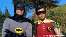 Adam West als Batman mit Robin Burt Ward 1970