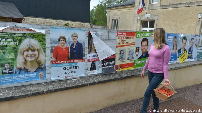 Frankreich | Wahlwerbung für die anstehende Prlamentswahl (picture-alliance/NurPhoto/A. Widak)