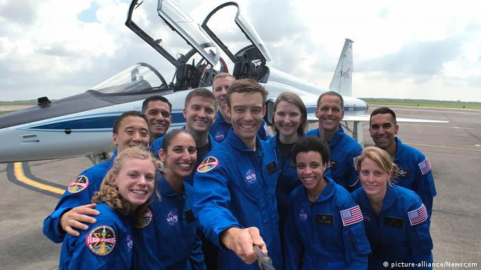 Photo of 2017 NASA astronauts class, the Turtles, shows a dozen smiling young people