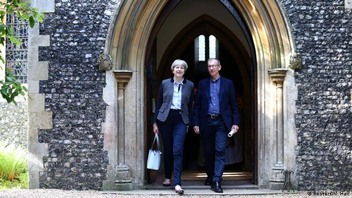 Großbritannien Theresa May Gottesdienst in Sonning (Reuters/N. Hall)