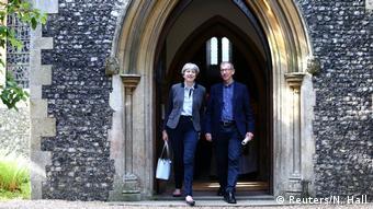 Με τον σύζυγό της το πρωί βγαίνοντας από την εκκλησία μετά την κυριακάτικη Θεία Λειτουργία