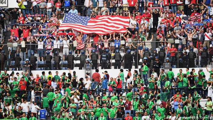 A giant US flag at a soccer game (Getty Images/AFP/A. Estrella)