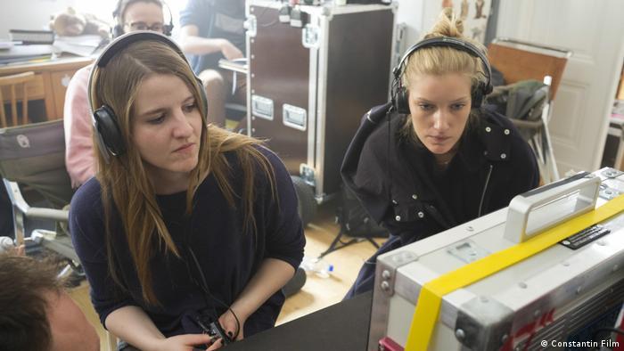 Director Helene Hegemann with a colleague while making Axolotl Overkill (Constantin Film)