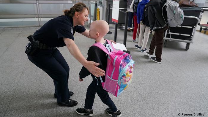 USA Prothesen für Kinder mit Albinismus aus Tansania (Reuters/C. Allegri)