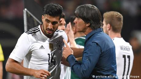 BG Confed Cup 2017 | Deutschland Löw und Can (picture alliance/dpa/S Hoppe)