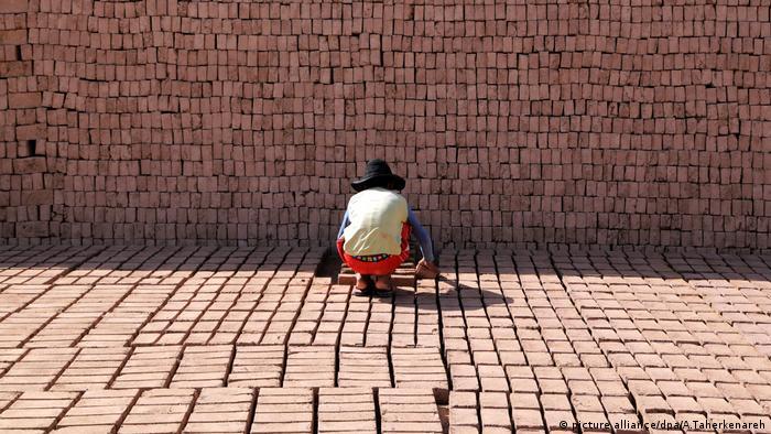 Kinderarbeit (picture alliance/dpa/A.Taherkenareh)