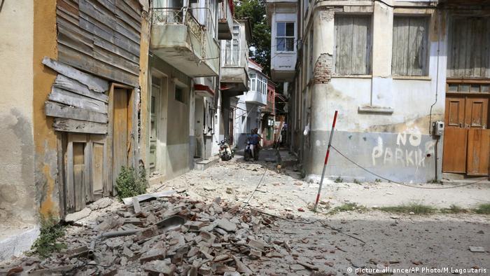 Griechenland Erdbeben Schäden Türkei (picture alliance/AP Photo/M.Lagoutaris)