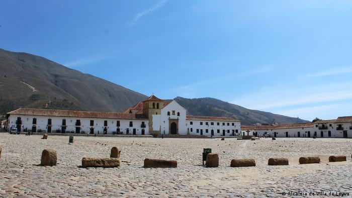 Villa de Leyva está en la Cordillera de Los Andes (Cordillera Oriental), a 2.143 mts.