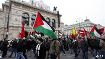 Pro-Palestinian demonstrators protest in front of the state opera in Vienna