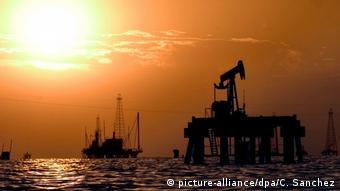 На нефтедобывающем промысле в Венесуэле