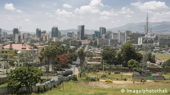 Stadtansicht von Addis Abeba Hauptstadt von Aethiopien (Imago/photothek)