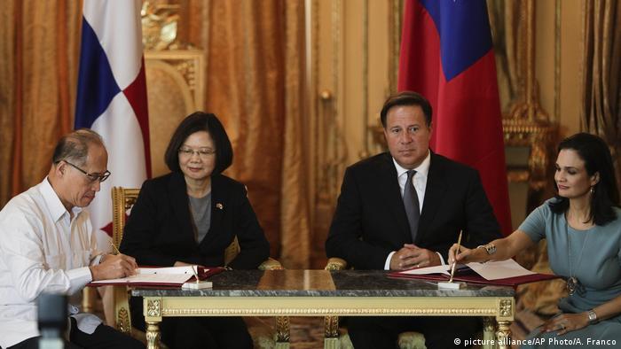 Taiwan Panama Präsidentin Tsai Ing-wen Präsident Juan Carlos Varela in Panama Stadt , David Lee Ta-wei, Isabel de Saint Malo