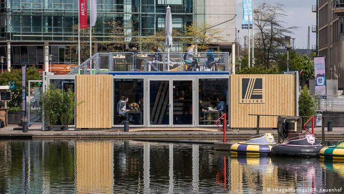 Köln Media Park ALDI Bistro in Schiffscontainern