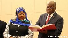 Tansania President John Pombe Magufuli of Tanzania at State House in Dar es Salaam. Left is her vice president, Samia Suluhu Hassan.